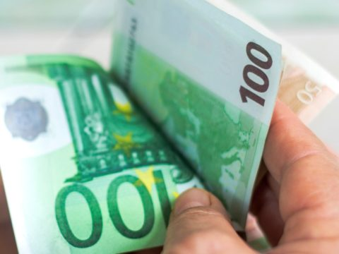 Bonus luce e gas Bonus sud Bonus febbraio Bonus 1000 euro Bonus 800 euro Bonus 250 Euro Bonus Bonus Irpef Cashback Bonus 1000 Euro Bonus 100 euro
